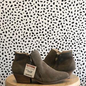 24f90728ec0 Shoes - NWT Women s Booties size 8 (Tj-Maxx)